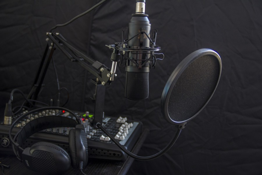 microphone-616788_1280